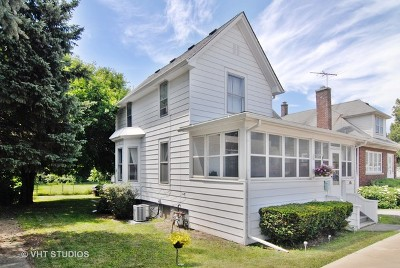 St. Charles Single Family Home For Sale: 907 East Main Street
