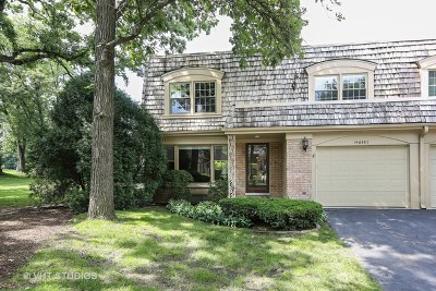 Oak Brook Condo/Townhouse For Sale: 19w082 Avenue Barbizon