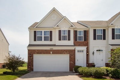 Plainfield Condo/Townhouse For Sale: 12925 White Pine Way