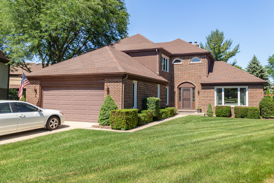 Arlington Heights Single Family Home For Sale: 2223 Amhurst Court