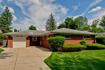 Mount Prospect Single Family Home For Sale: 405 South Na Wa Ta Avenue
