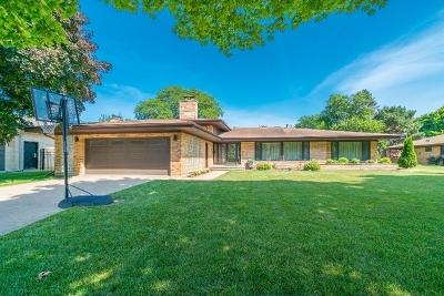 Lincolnwood Single Family Home For Sale: 6613 North Spokane Avenue