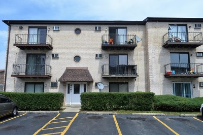 Arlington Heights Condo/Townhouse For Sale: 4067 Bonhill Drive #2A