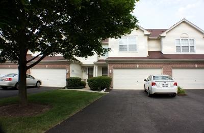 Elgin IL Condo/Townhouse New: $184,000