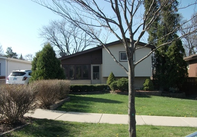 Elmhurst Single Family Home For Sale: 608 West Babcock Avenue