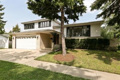 Villa Park Single Family Home For Sale: 612 North Wisconsin Avenue