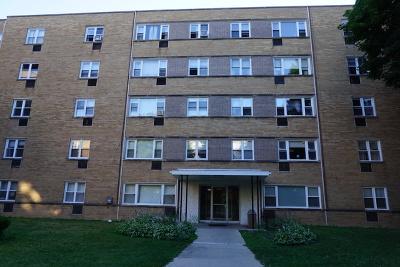 Condo/Townhouse New: 2035 West Granville Avenue #211