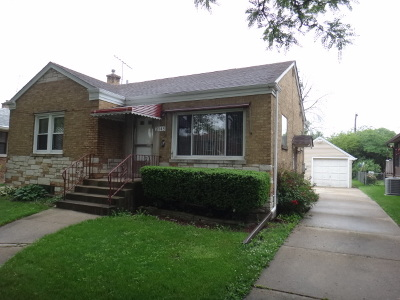 North Riverside Single Family Home For Sale: 2343 South 2nd Avenue