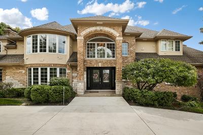 Oak Brook Single Family Home For Sale: 33 Royal Vale Drive