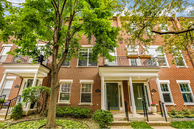 Chicago Condo/Townhouse For Sale: 210 West Scott Street #C