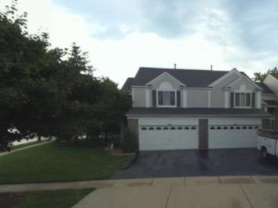 Bartlett IL Condo/Townhouse New: $220,000