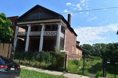 Single Family Home New: 3729 South Lake Park Avenue