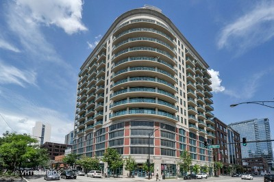 Condo/Townhouse For Sale: 340 West Superior Street #1105