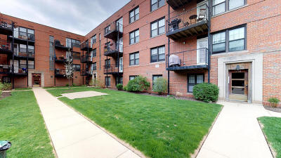 Condo/Townhouse For Sale: 5230 North Campbell Avenue #1B