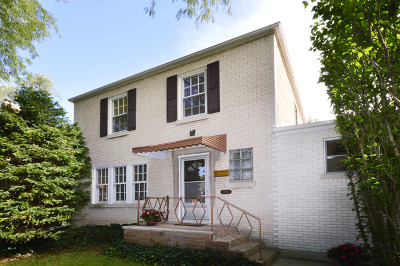 Skokie Single Family Home For Sale: 8335 Kenneth Avenue