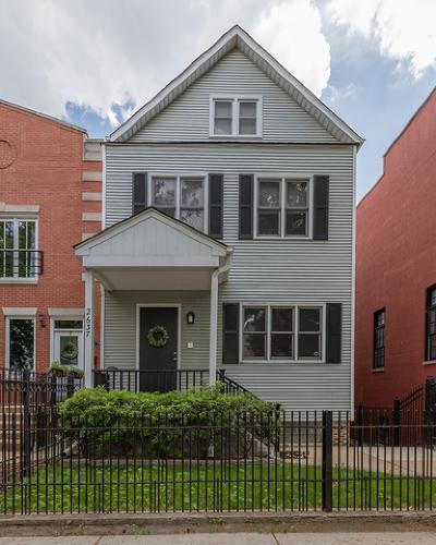 Cook County Condo/Townhouse For Sale: 2637 North Marshfield Avenue #COACH