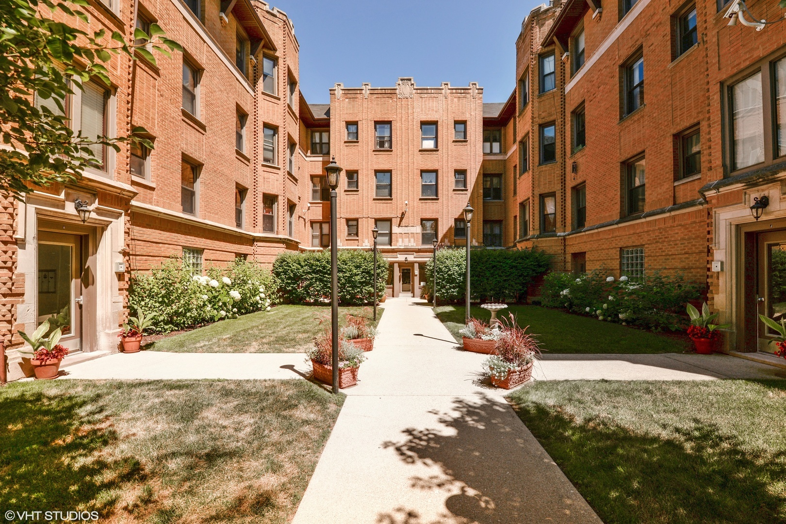 1 bed/1 bath Condo/Townhouse in Chicago for $129,000