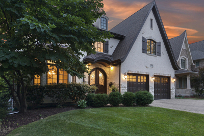 Elmhurst Single Family Home For Sale: 550 South Hawthorne Avenue