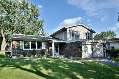 Woodridge Single Family Home For Sale: 8221 Lindenwood Lane
