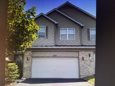 Woodridge Condo/Townhouse For Sale: 3204 Foxridge Court