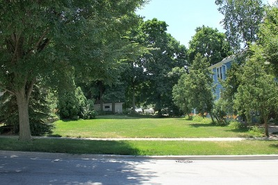 St. Charles Residential Lots & Land Contingent: 207 Walnut Avenue