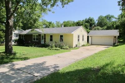 Woodridge Single Family Home For Sale: 7821 Westview Lane