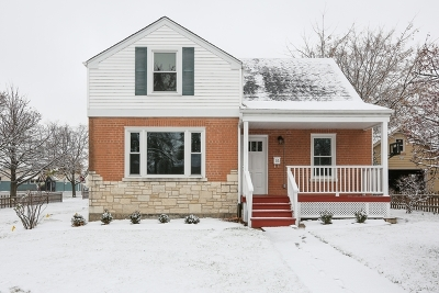 Clarendon Hills Single Family Home For Sale: 16 Algonquin Road