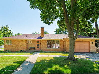 West Chicago Single Family Home For Sale: 421 North Oak Street