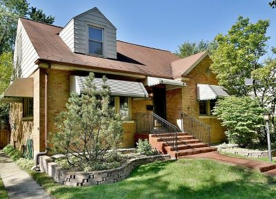 Brookfield Single Family Home For Sale: 3324 Grand Boulevard