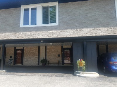 Palos Hills Condo/Townhouse Contingent: 16 Cour Marquis