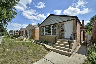 Calumet Park Single Family Home For Sale: 12523 South Honore Street