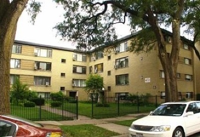 Condo/Townhouse Re-Activated: 6123 North Seeley Avenue #1E