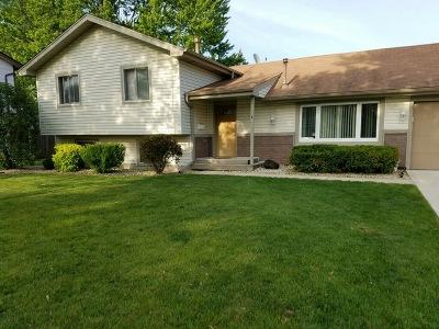 Hanover Park Single Family Home For Sale: 5711 Unit Court