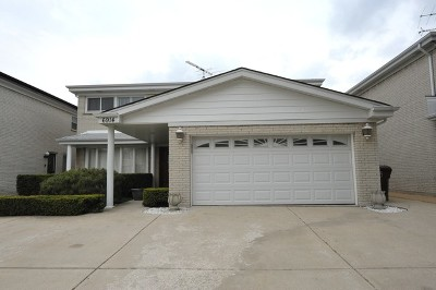 Skokie Single Family Home For Sale: 6914 Lockwood Avenue