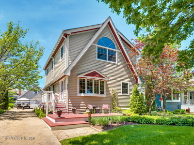 Elmhurst Single Family Home For Sale: 526 South Hawthorne Avenue