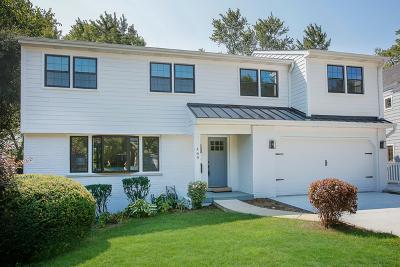 Glen Ellyn Single Family Home For Sale: 469 Sunset Court