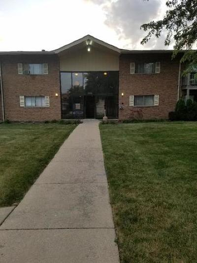 Darien Condo/Townhouse For Sale: 7410 Brookdale Drive #4-208