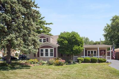 Crestwood  Single Family Home For Sale: 13701 Laramie Avenue