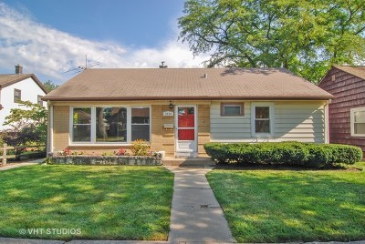 Brookfield Single Family Home For Sale: 9534 Lexington Avenue