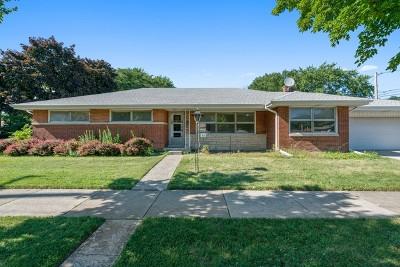 Skokie Single Family Home For Sale: 4552 Keeney Street