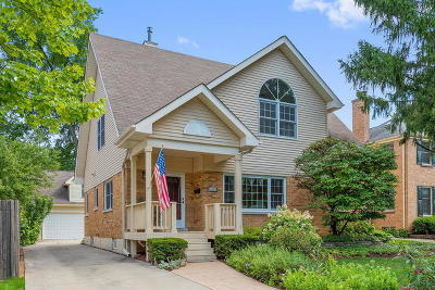 Clarendon Hills Single Family Home For Sale: 352 Harris Avenue