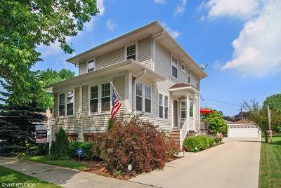 Brookfield Single Family Home For Sale: 4037 Grove Avenue