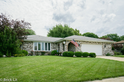 Frankfort Single Family Home For Sale: 605 Vail Drive