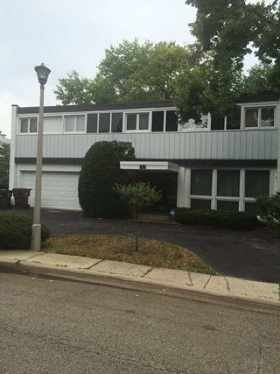 Skokie Single Family Home For Sale: 8928 North Kilbourn Avenue