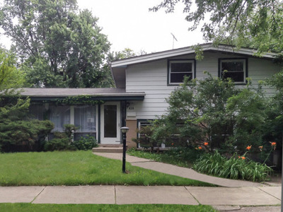 Glenview Single Family Home For Sale: 439 Sheryl Lane