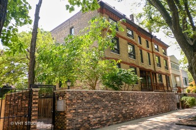 Condo/Townhouse For Sale: 2145 North Lakewood Avenue #3NR