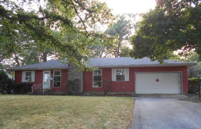 Dekalb Single Family Home For Sale: 216 Delcy Drive