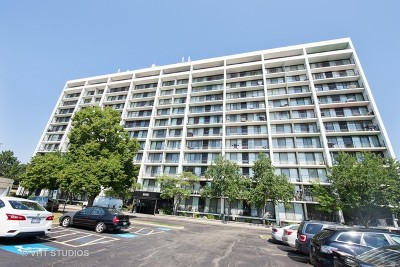 Lombard Condo/Townhouse For Sale: 2005 South Finley Road #703