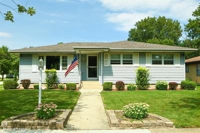 Lansing  Single Family Home For Sale: 18443 Oakley Avenue