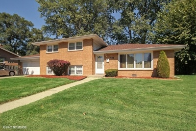 South Holland IL Single Family Home For Sale: $149,900